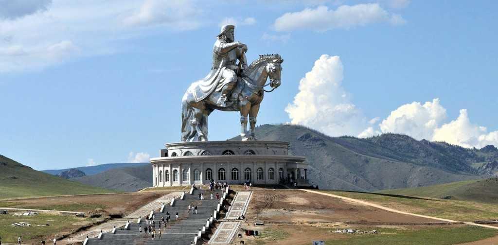 статуя Великого Хаана