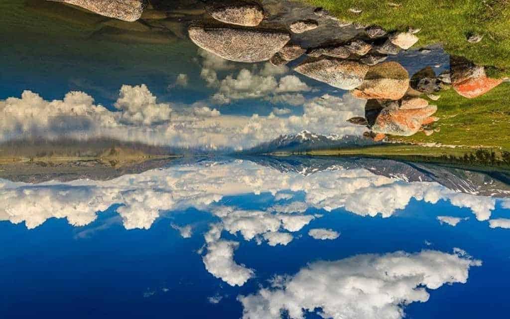 Перевёрнутое вечное синее небо - море Тэнгис